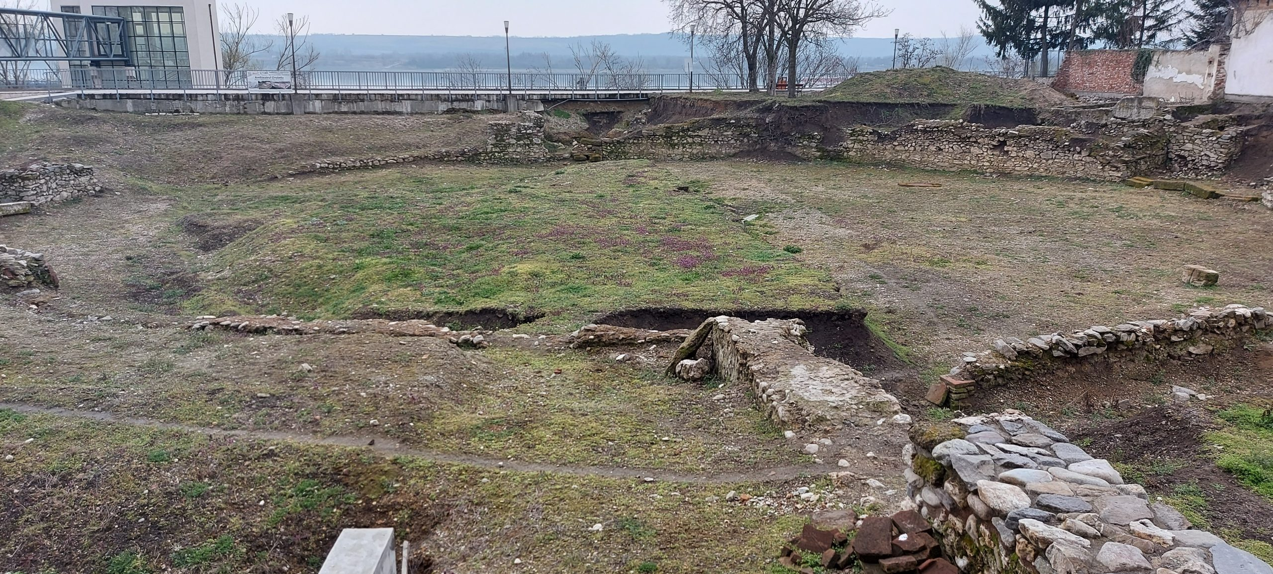 Amfiteatrul Roman Drobeta