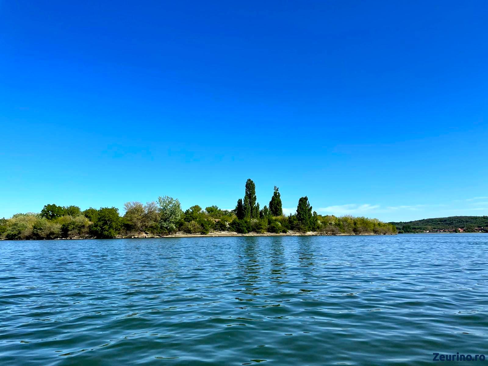Insula Simian - vedere de pe apa