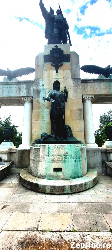 Grupuri statuare